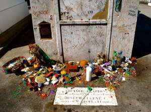 The mausoleum rumored to hold the remains of Marie Laveau,